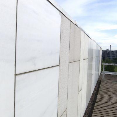 Finlandia-talon uudeksi julkisivumateriaaliksi on valittu Lasan marmori