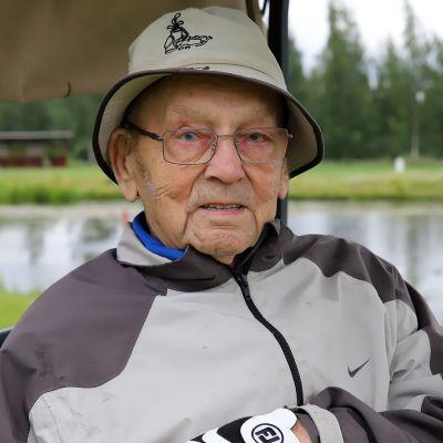 Satavuotias hartolalainen golffari Mikko Soille puttailee edelleen viheriöllä