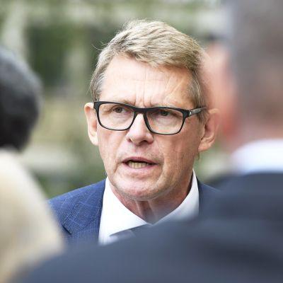 Valtiovarainministeri Matti Vanhanen kertoi vuoden 2021 talousarvioehdotuksesta Säätytalolla