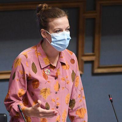 Li Andersson eduskunnan kyselytunnilla Helsingissä 24. syyskuuta.