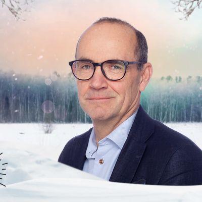 Fritjof Sahlström mot en vintrig bakgrund.