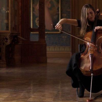 Stradivarius soi Versaillesissa ja Louvressa tyhjille saleille