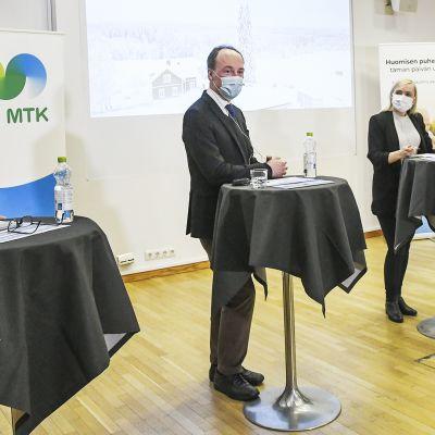 Maaseudun Tulevaisuuden kuntavaalitentissä neljä puheenjohtajaa