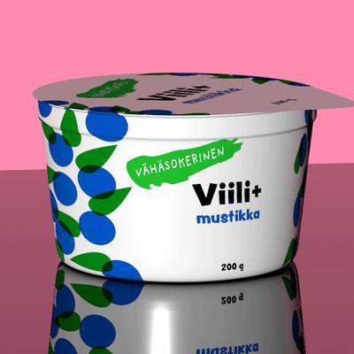 Viilipurkki, jonka kyljessä vaihtelee erilaiset merkinnät: Ei lisättyä sokeria, sokeriton, sokeroimaton, sokereita vähennetty, vähäsokerinen.