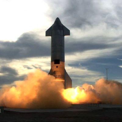 Raketen exploderade efter landningen.