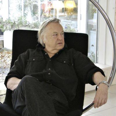 Sisustusarkkitehti Eero Aarnio