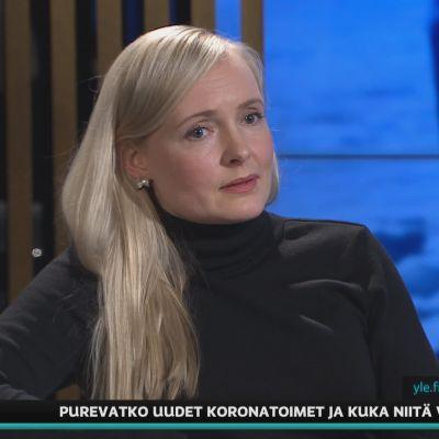 Sisäministeri Maria Ohisalo arvioi A-Talkissa liikkumisrajoitusten aikataulua.