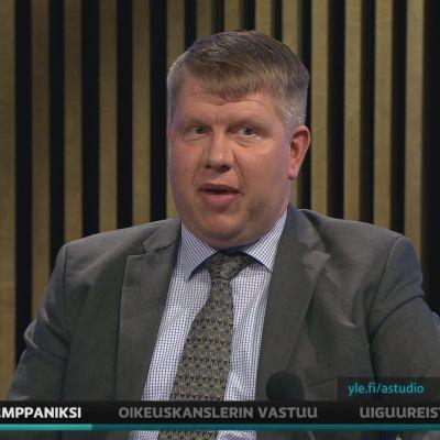 VTV:n johtava tilintarkastaja Pasi Tervasmäki kommentoi A-studiossa viraston toimintaan liittyvää kohua.