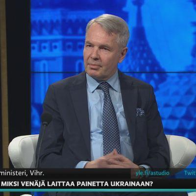 Ulkoministeri Pekka Haavisto kommentoi A-Talkissa Ukrainan ja Venäjän suhteita.