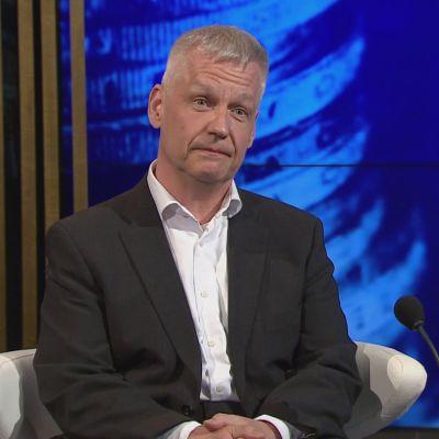 """PTT:n Ruuskanen: """"Aikamoiset juhannustanssit tulossa"""""""