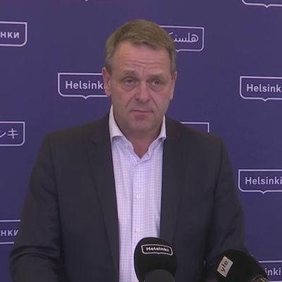 Helsingin pormestari Jan Vapaavuori on huolissaan rajojen terveysturvallisuudesta