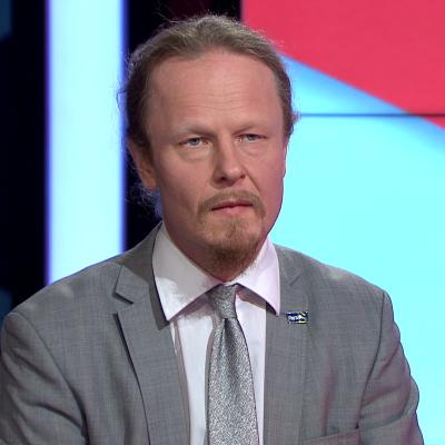 Eduskunnan varapuhemies Eerola: Yli-Viikaria ei varoitettu ennalta