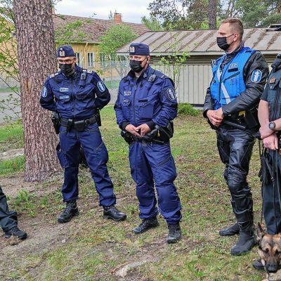 Rajavartijat ja poliisi partioivat entistä enemmän yhdessä