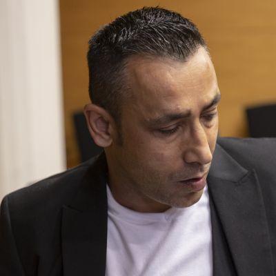 Poliisia 7 vuotta pakoillut Arman Alinko kiistää olleensa huumeliigan pomo