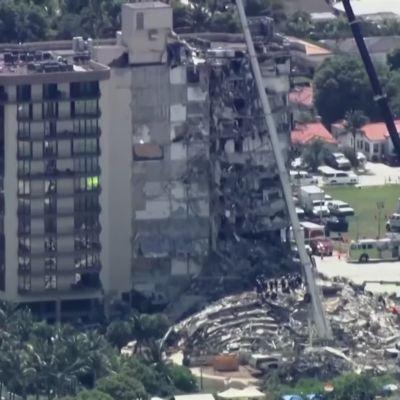Kerrostalo romahti osittain Miamin lähellä