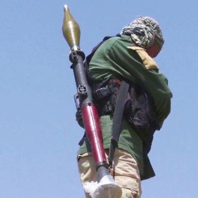 Afganistanin siviilit tarttuvat aseisiin talibanin veritekojen jälkeen