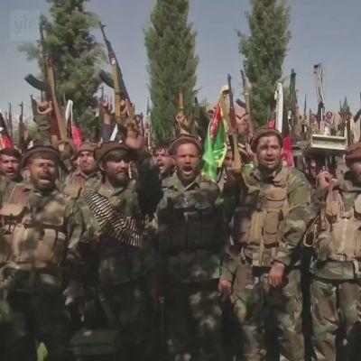 Afganistanin armeijan tukijoukot valmistautuvat taistelemaan Talibania vastaan.