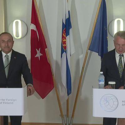 Turkin ulkoministeri: Olemme valmiit tukemaan Liettuaa pakolaiskysymyksessä