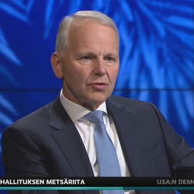 Maa- ja metsätalousministeri Jari Leppä A-studiossa.