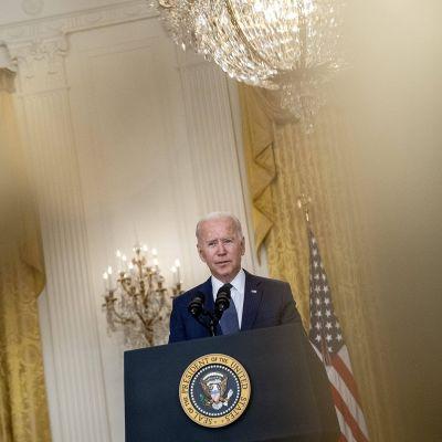 Presidentti Biden vannoo kostoa Kabulin iskuista