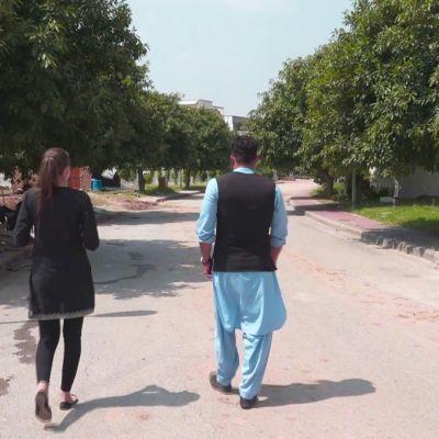 Yle tapasi Suomen Kabulin suurlähetystöä suojanneen vartijan, jonka onnistui paeta Pakistaniin