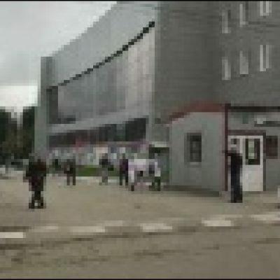 Oppilaita evakuoidaan Permin yliopiston tiloista Venäjällä