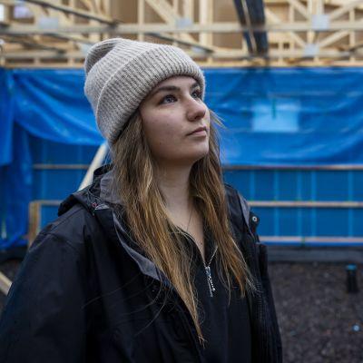 19-vuotias Ella rakennuttaa omakotitaloa
