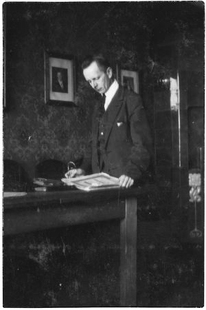 Professori Andrej Rudnew kotonaan Viipurissa 1931.
