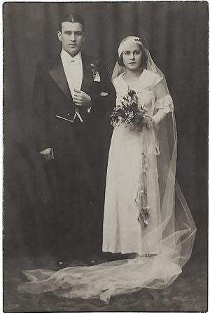 Tellervo Tillin ja Kauko Mankosen hääkuva vuodelta 1934.