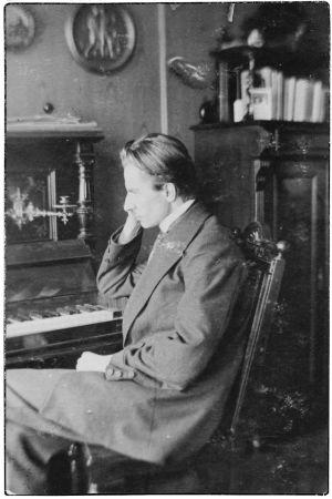 Nuori säveltäjä Toivo Saarenpää.