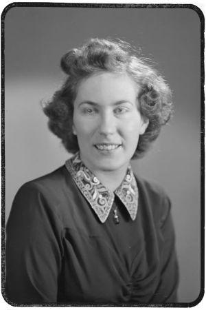 Katri Paavolainen 1942, vuodesta 1943 Veltheim.