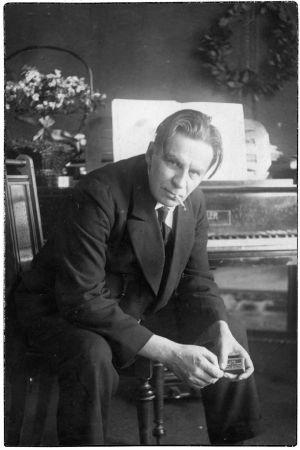 Säveltäjä Toivo Saarenpää vuonna 1927.