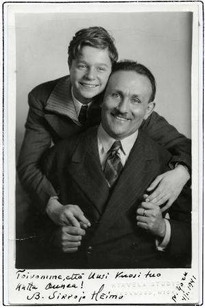 Heimo Haitto ja Boris Sirpo Michiganissa otetussa studiokuvassa. Kuva on lähetetty New Yorkista 4. tammikuuta 1941.