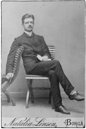 Jean Sibeliuksen ylioppilaskuva vuodelta 1885.
