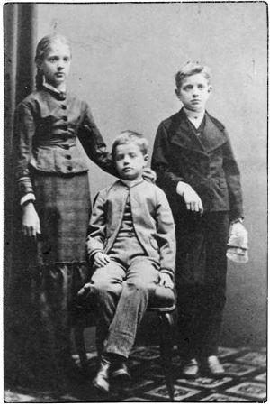 Linda, Christian ja noin 11-vuotias Janne Sibelius.