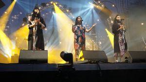 Bild på bandet A-WA som uppträder på musikfestivalen Rio Loco i Toulouse.