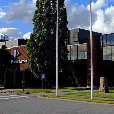 Bioteknologiföretaget ParkinElmers byggnad.