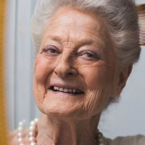 Maya Weber kan konsten att åldras.