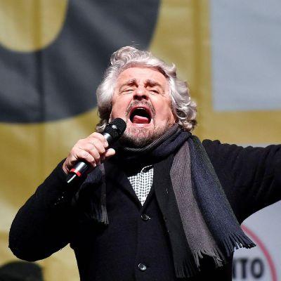 Italian populistisen Viiden tähden liikeen perustaja Beppe Grillo