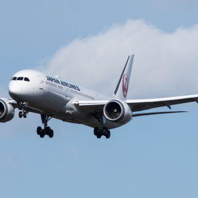 Japan Airlinesin Boeing-787 -matkustajakone.
