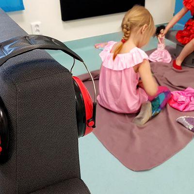 Kuulosuojainten käyttö yleistyy päiväkodeissa.