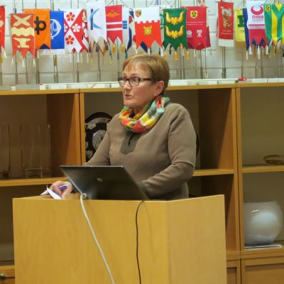 Eeva Nurmi ja Jari Keskitalo Humppilan kunnanvaltuuston kokouksessa