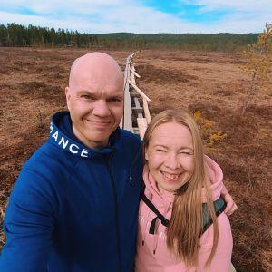 Jari ja Niina Rekilä Pallas-Yllästunturin kansallispuistossa, Kesänkijärven kierroksella.
