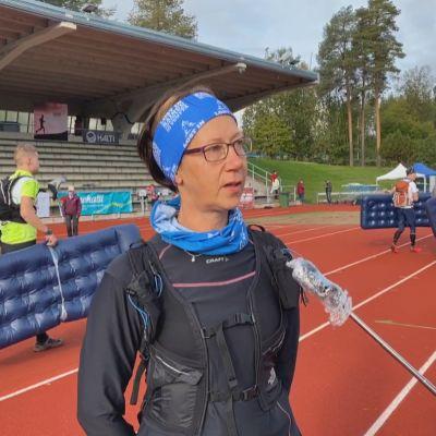 Mervi Koukkari ennen Lost in Kainuu -kisan starttia.