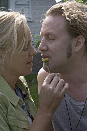 Anu Sinisalo ja Jarkko Sarjanen elokuvassa Piilopaikka kahdelle.