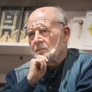 Den svenska författaren Sven Lindqvist.