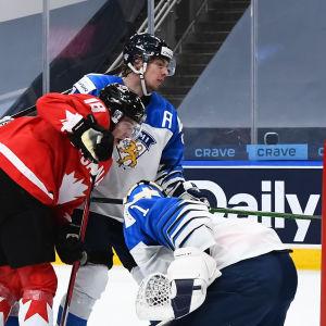 Kanada nätar mot Finland.
