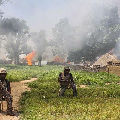 Regeringssoldater under en räd mot Boko Haram i juli 2015.