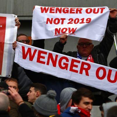 Arsene Wenger sai jälleen lisäkritiikkiä niskaansa