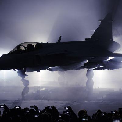 Uuden  JAS 39 Gripen hävittäjän julkistamistilaisuus toukokuussa 2016  Linköpingissä.
